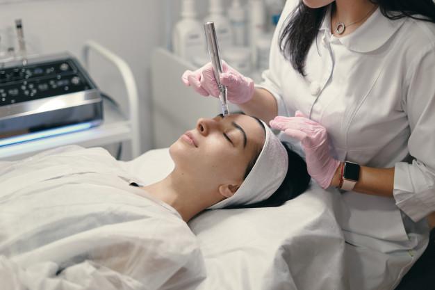 rejuvenating-facial-treatment_158595-4602